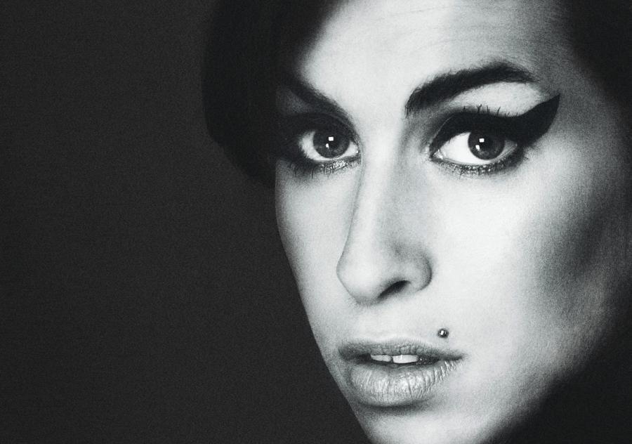 Amy Winehouse na plakacie zapowiadającym dokument Asifa Kapadii