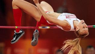 Kamila Lićwinko podczas finału skoku wzwyż kobiet na lekkoatletycznych mistrzostwach świata w Pekinie