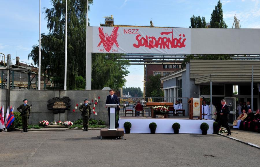 Prezydent Andrzej Duda przemawia podczas obchodów 35. rocznicy podpisania Porozumień Sierpniowych oraz powstania NSZZ \