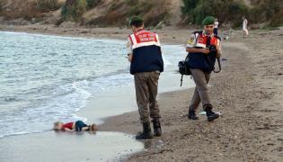 Zdjęcie trzylatka wstrząsnęło Europą