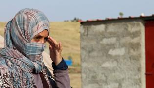 Jazydka w obozie dla uchodźców w Iraku. Zdjęcie ilustracyjne