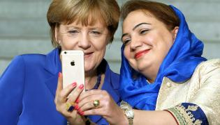 Angela Merkel i Afganka Schukria Barakzai