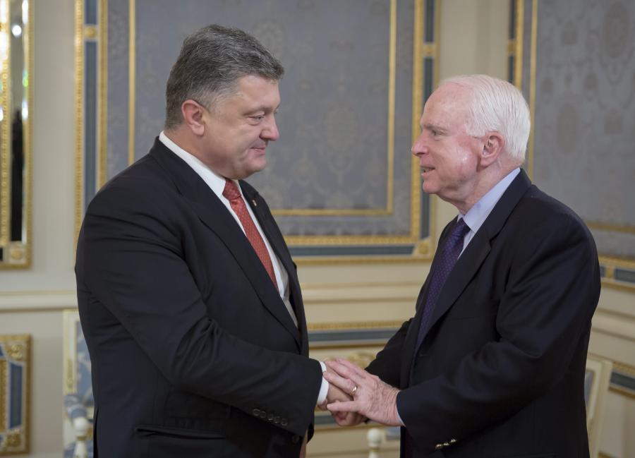 Petro Poroszenko i senator John McCain