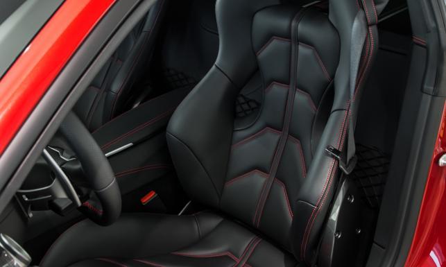 Tylko w dziennik.pl: Oto ekskluzywne auto gwiazdy TVN warte 9 limuzyn BMW