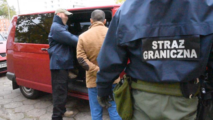 Polska Straż Graniczna przy współudziale hiszpańskiej policji pod nadzorem Europolu rozbiła międzynarodową grupę przestępczą zajmującą się przemytem ludzi. Miała ona odpowiadać za legalizację pobytu obcokrajowców na terenie Polski.