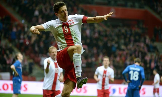 Cztery gole Polaków. W tym dwa Lewandowskiego. Polska pokonała Islandię. ZDJĘCIA
