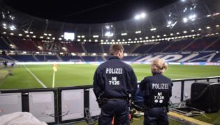 Policja na stadionie w Hanowerze