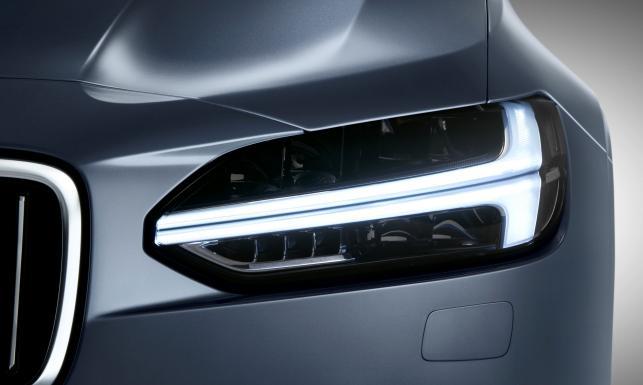 Volvo S90 bez tajemnic. Nowa limuzyna napędem i nowinkami nokautuje rywali. ZDJĘCIA