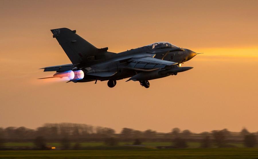 Lot nad Syrię - brytyjski samolot Tornado