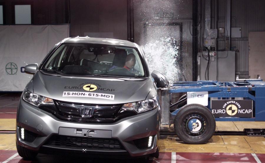 Honda jazz - najbezpieczniejszy samochód miejski 2015 wg Euro NCAP