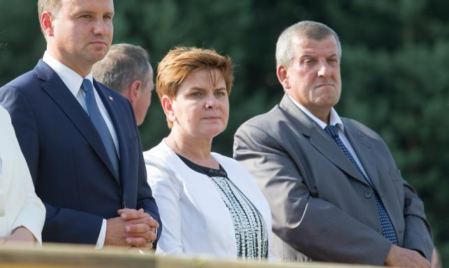 Pasjonat myślistwa, dyrektor szkoły... Edward Szydło - kim jest mąż szefowej rządu?