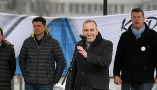 Ryszard Petru i Grzegorz Schetyna na demonstracji KOD