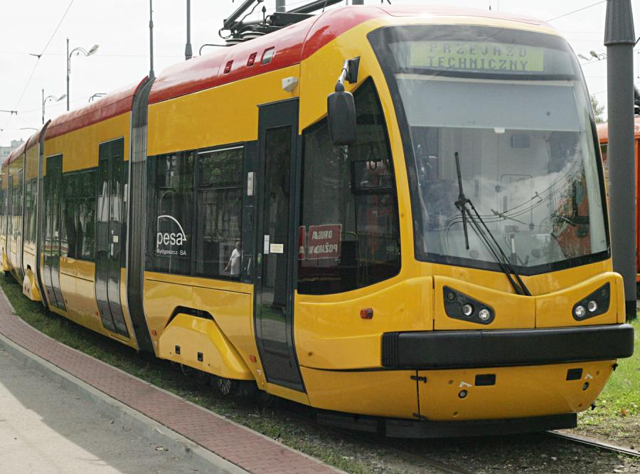 PESA bierze wszystkie przetargi na pociągi i tramwaje.