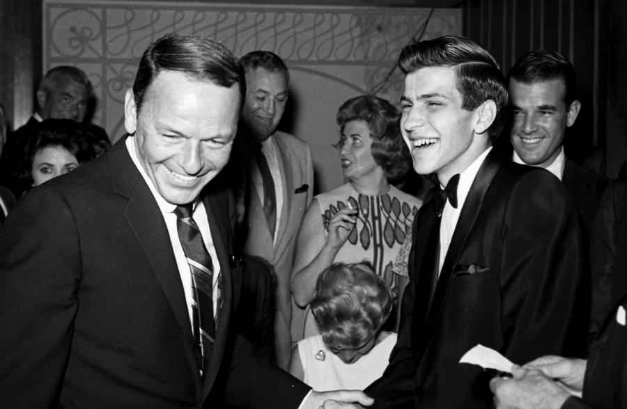 Frank Sinatra Jr. z ojcem w Las Vegas (1963)