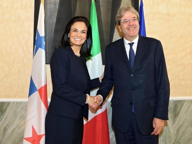 Isabel Saint Malo De Alvarado i Paolo Gentiloni