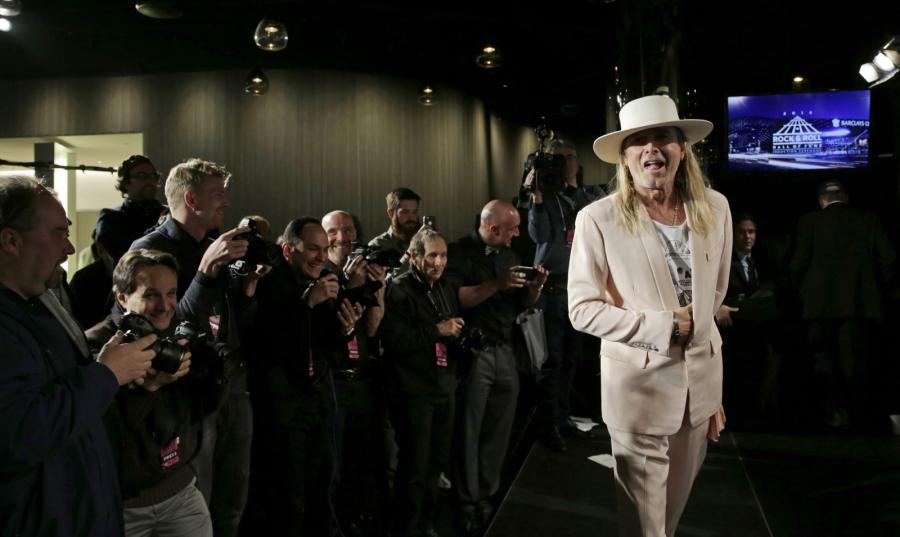 Robin Zander z zespołu Cheap Trick podczas ceremonii wprowadzenia do Rock and Roll Hall of Fame