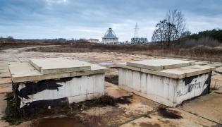 Miejsce, gdzie stała wiertnia odwiertu geotermalnego Fundacji Lux Veritatis