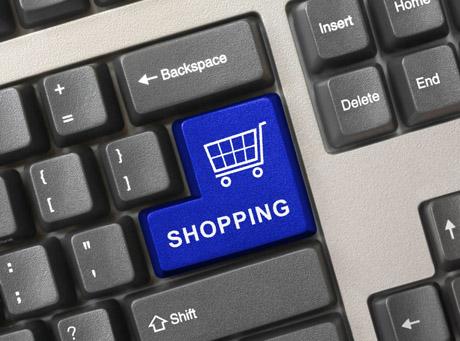 E-handel podbija portfele Polaków