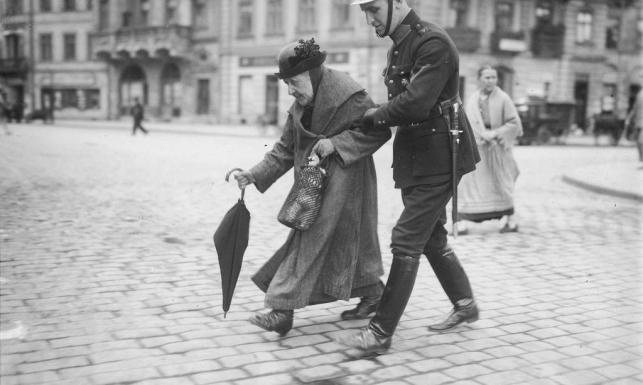 Karzące ramię sanacji. Policja przedwojenna na ARCHIWALNYCH ZDJĘCIACH