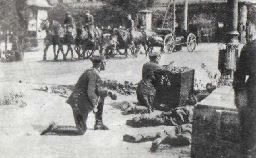 Atak zamachowców w Alejach Jerozolimskich