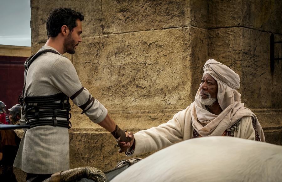 "Jack Huston i Morgan Freeman w filmie ""Ben-Hur"""