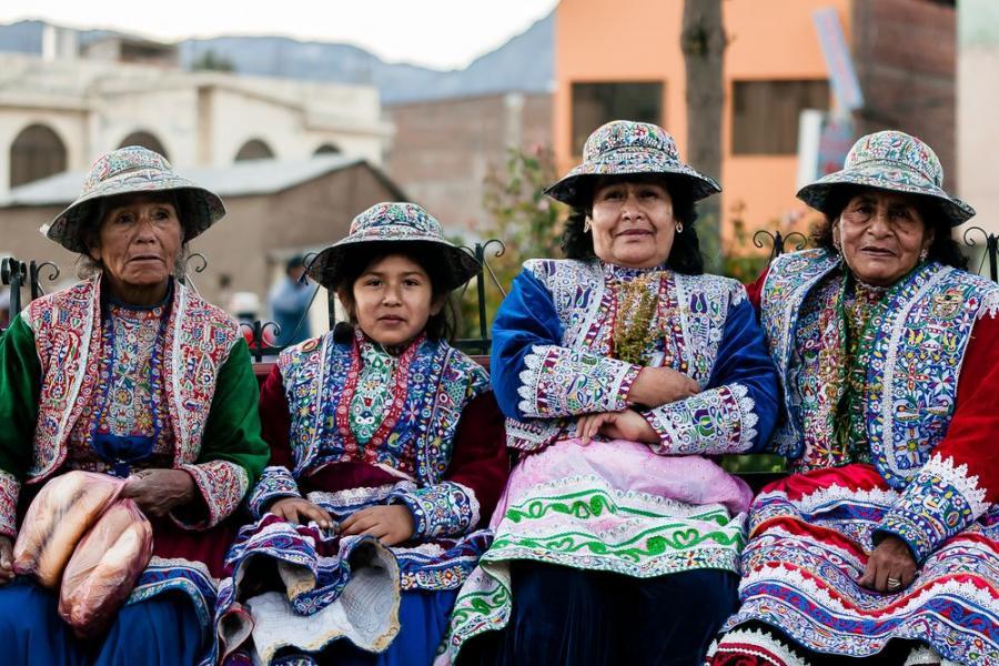 Peruwianki z Cabanaconde, Peru; fot. T. Bogusz / Pirania na kolację