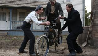 "Scena z serialu ""Harley and the Davidsons"""