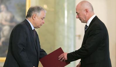 Prezydent podpisał dymisję Ćwiąkalskiego