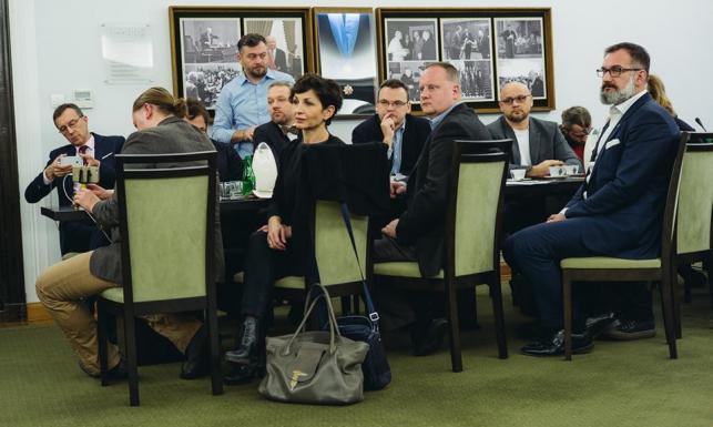 Marszałek Senatu i media. Spotkanie za zamkniętymi drzwiami. ZDJĘCIA