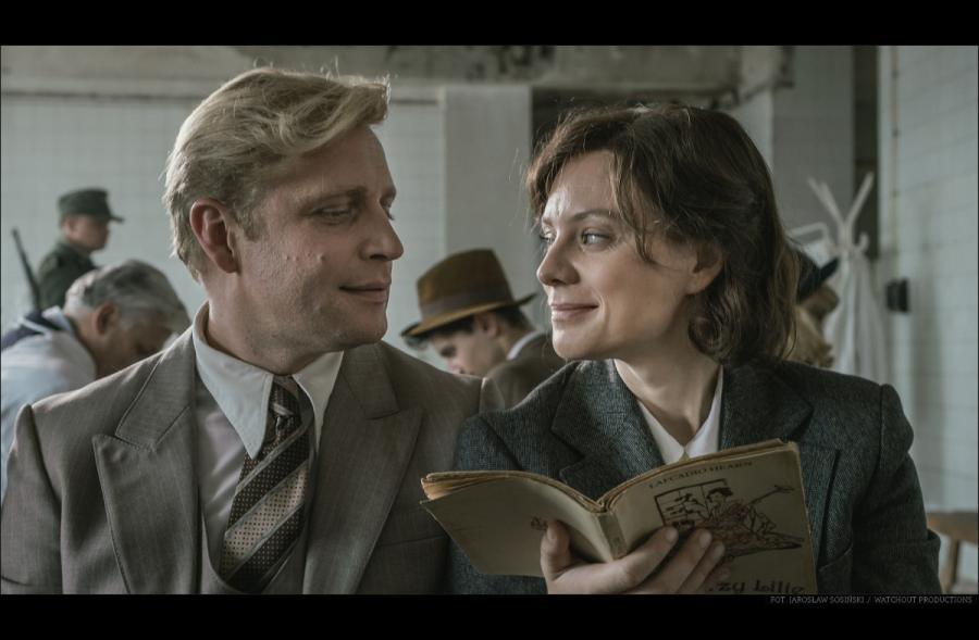 Piotr Adamczyk i Magdalena Boczarska w filmie \