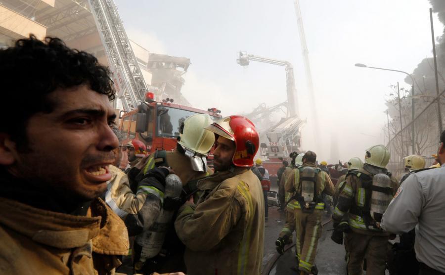 Strażacy opłakują śmierć swoich kolegów