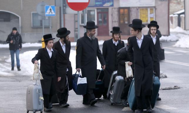 Ortodoksyjni Żydzi oddają cześć cadykowi z Lelowa. Zobacz ZDJĘCIA z pielgrzymki do Polski