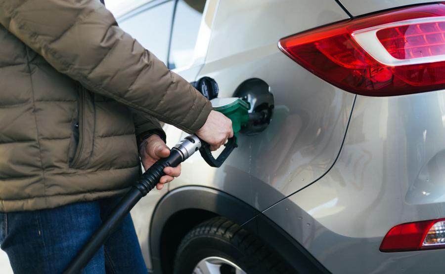Kierowcy w 2016 roku tankowali gorsze paliwo niż w 2015