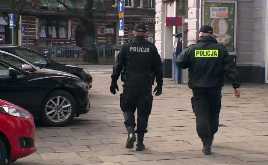 Skazany mężczyzna uciekł policjantom