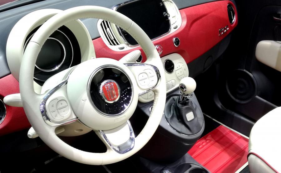 Samochód prezentowany podczas salonu w Genewie to wersja 1.2 o mocy 69 KM wyposażona w system Stop&Start