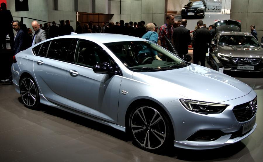 Opel insignia grand sport OPC line